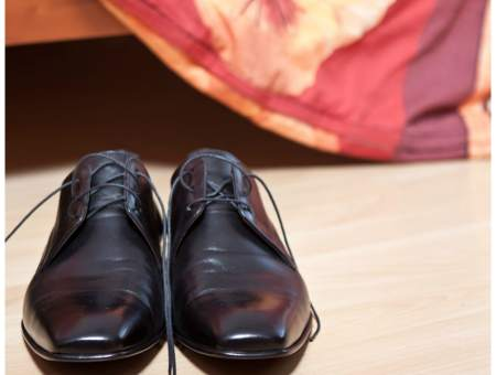How to shine shoes with coconut oil