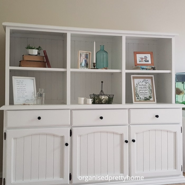 5 Simple Tips For Styling A Bookshelf