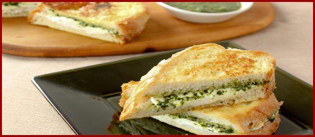 Recetas rápidas: sandwich de mozzarella y pesto