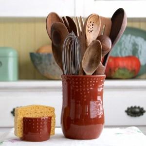Utensilios de cocina en jarrón para mantenerlos organizados