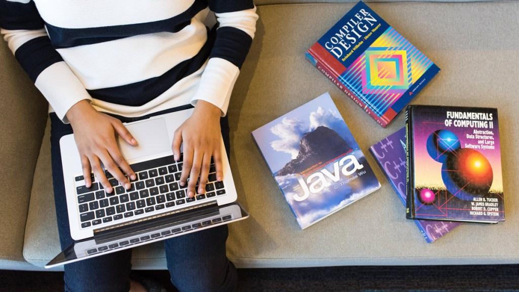 cursos online gratuitos de programación, datos y tecnología