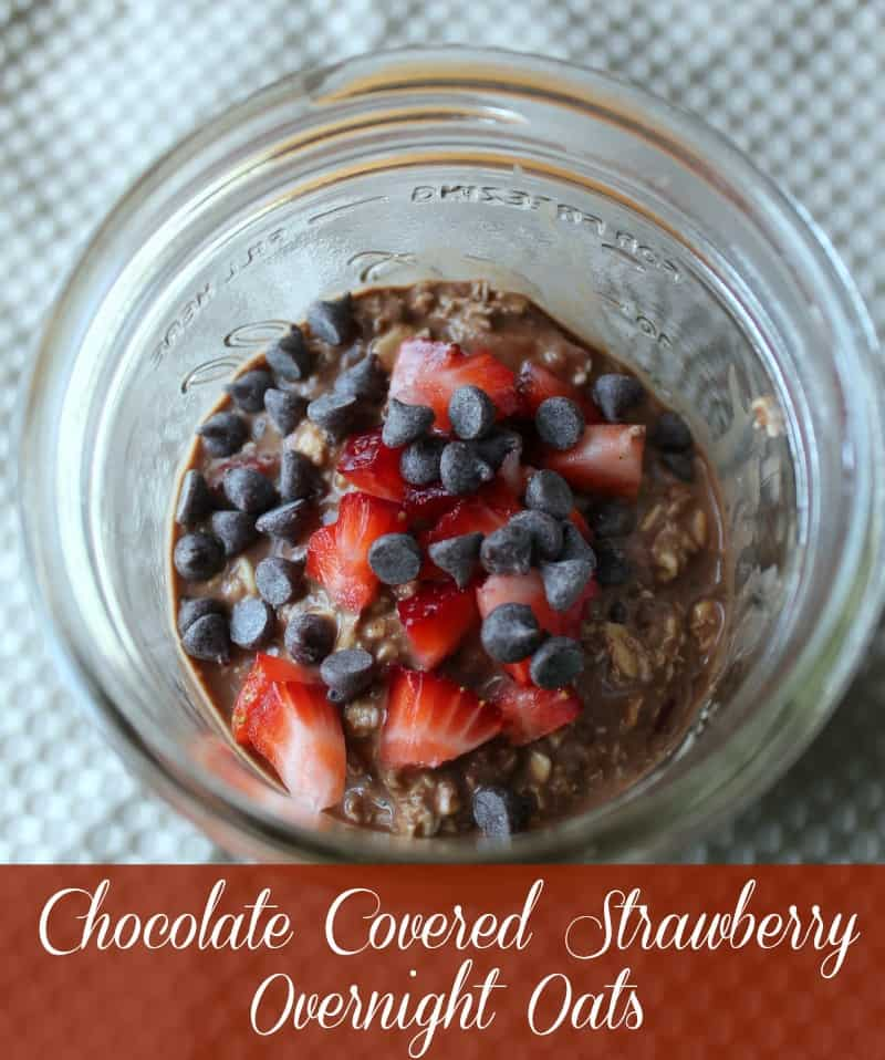 Chocolate Covered Strawberry Overnight Oats. Oatmeal in a Jar Recipe