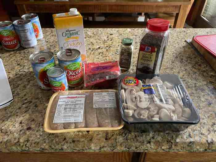 Pizza soup ingredients