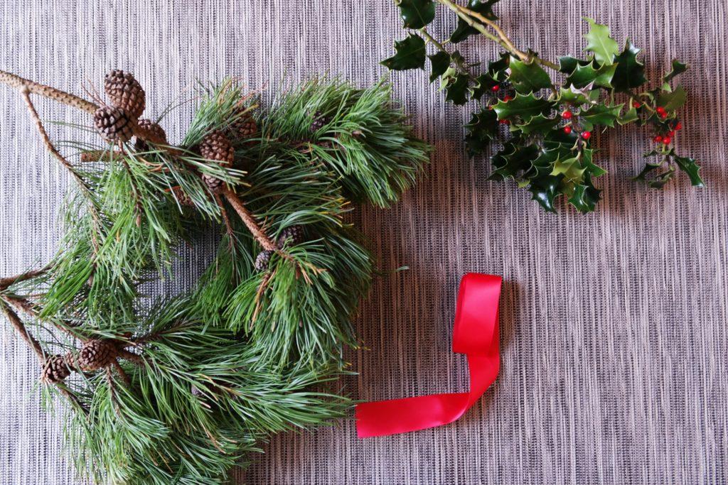 DIY Christmas Swag -materials