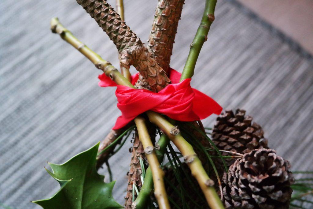 DIY Christmas Swag- red ribbon