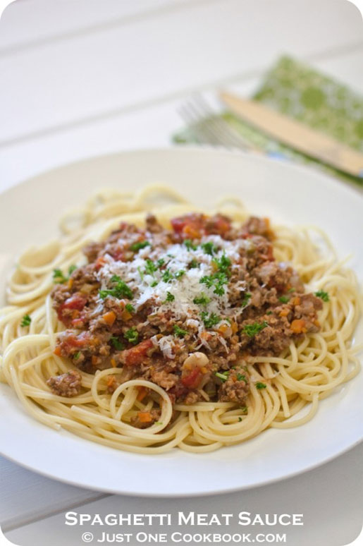spaghetti with meat sauce from justonecookbook.com