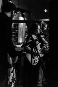 Nilüfer Yanya plays the Mojo in Hamburg - Photo by Stefan Manzow