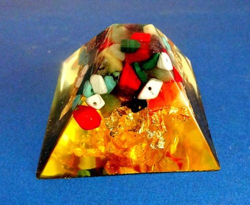 Piramida orgonica Crystal 58