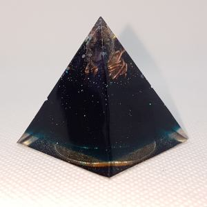 Reach High Orgone Orgonite Pyramid 4cm
