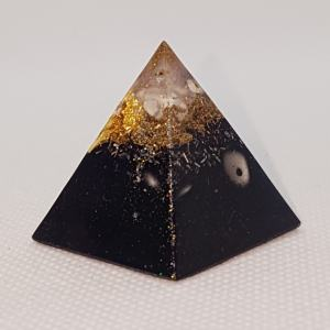 Cluster of Awesome Orgoneit Orgonite Pyramid 3cm - Herkimer Diamond with Howlites, Gold and Shungite in an Orgonite of wonder! clear, clarity, focus! and of course may assist with EMF protection