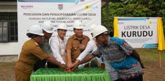 Perusahan Listrik Negara (PLN) resmikan 8 desa baru berlistrik di Kabupaten Kepulauan Yapen, Provinsi Papua, Kamis, (8//8/2019).