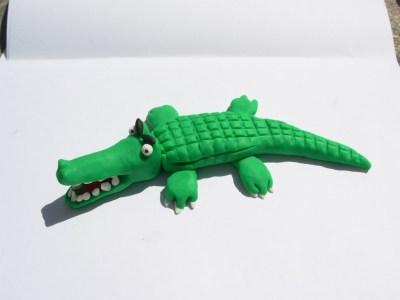 cocodrilo de plastilina