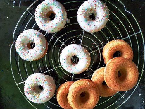 Oven-baked doughnuts: iced and plain