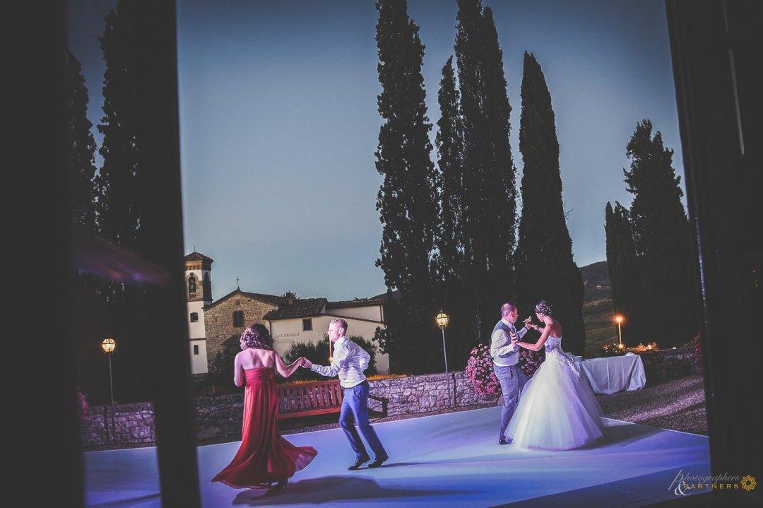 wedding dancefloor Tuscany
