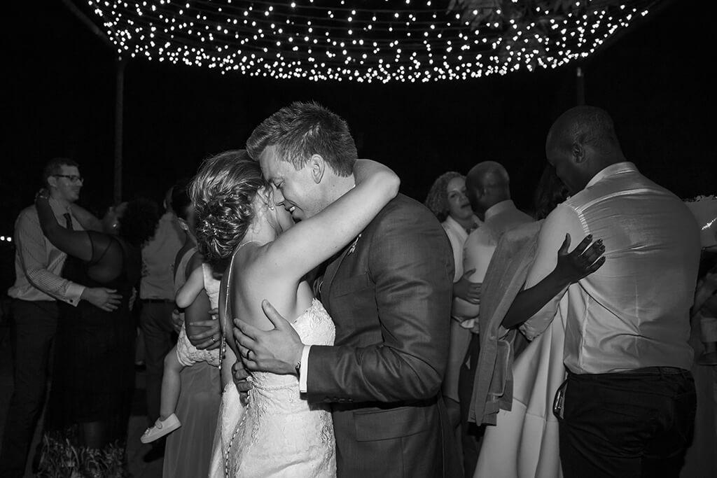 wedding tuscany dancing