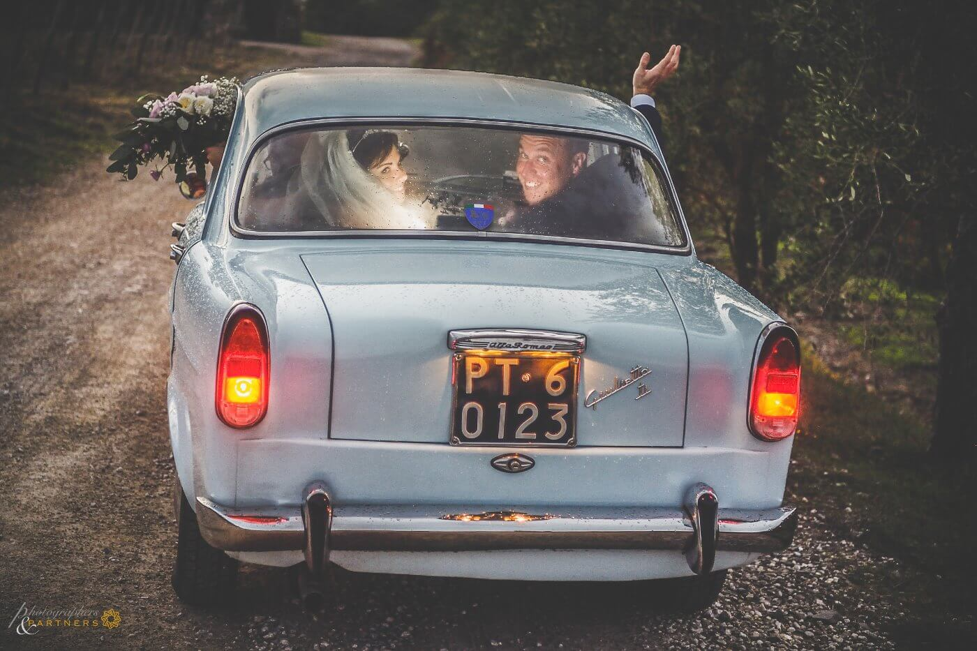 italian car wedding tuscany
