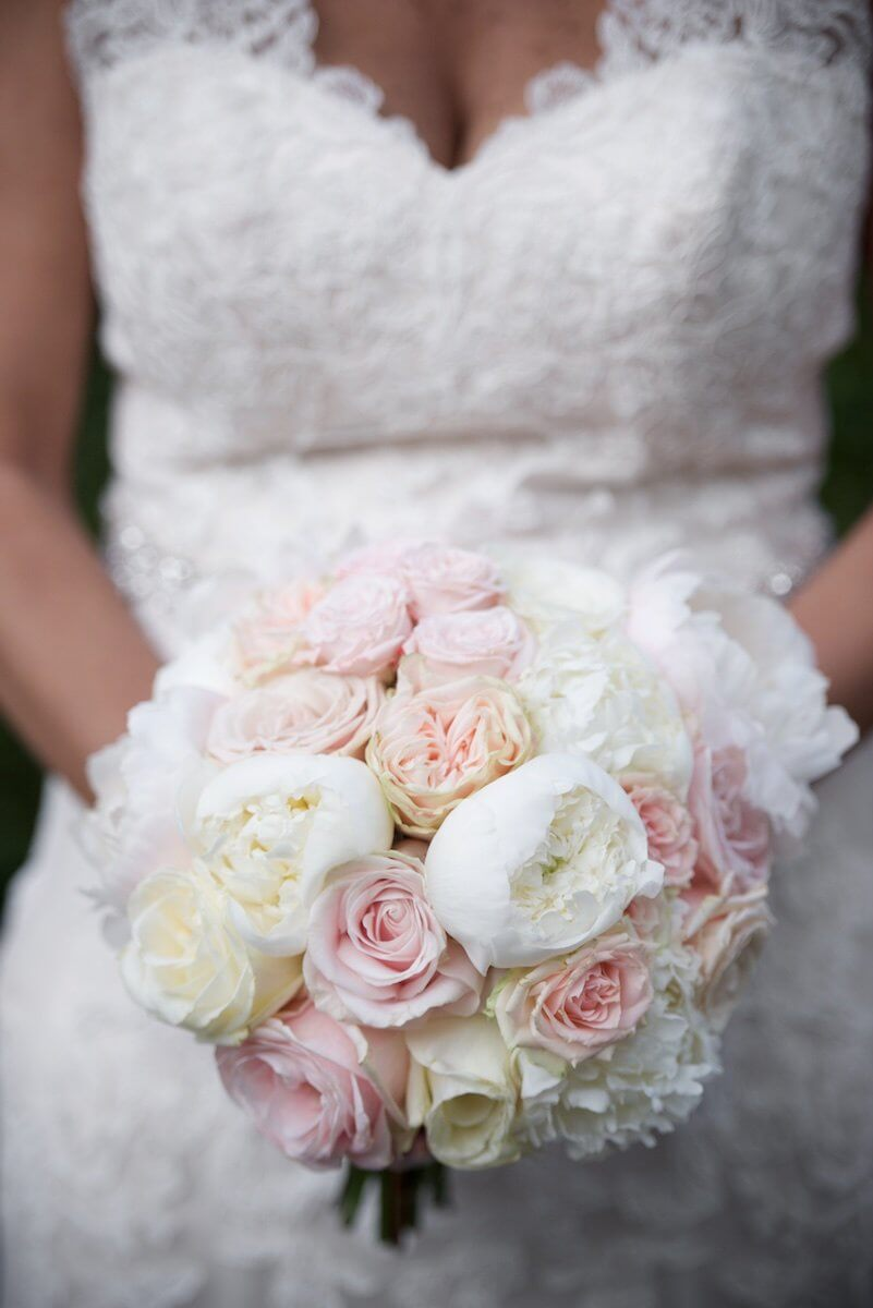 glamour peony and rose bouquet wedding