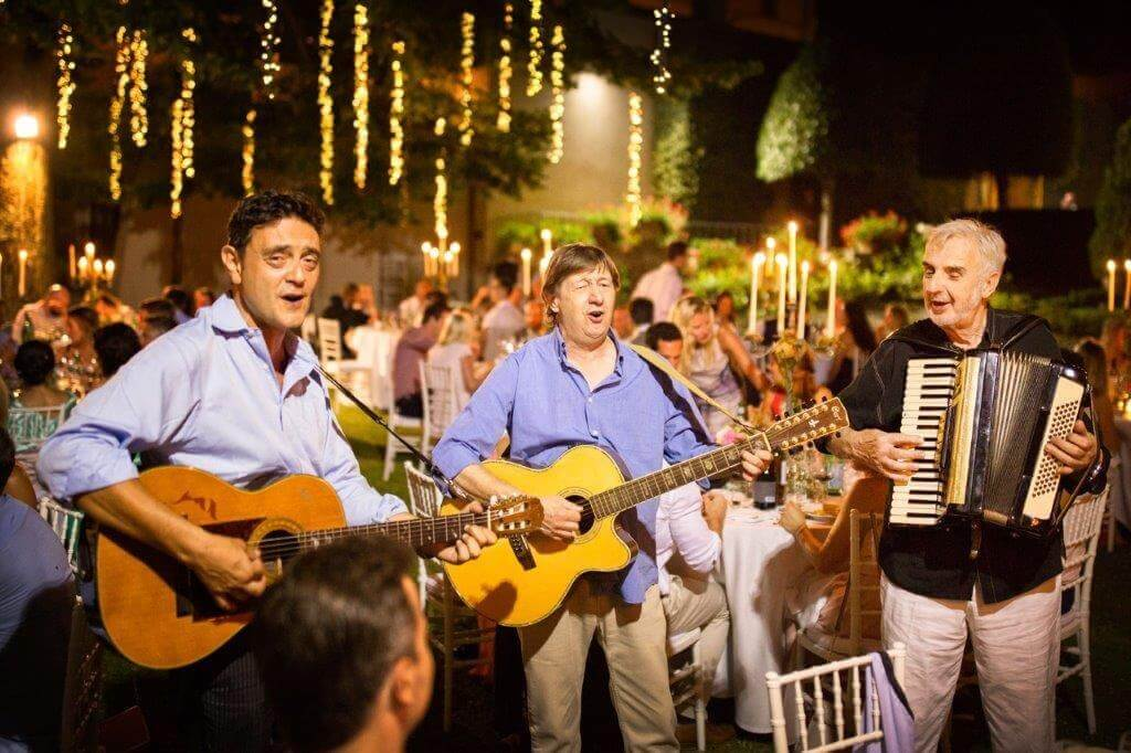 duo played and tenor for wedding tuscany