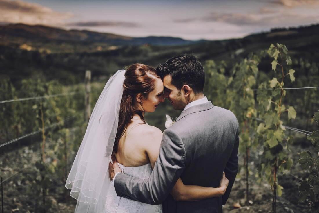 Jane & Aimun enjoy a wonderful tuscan panorama