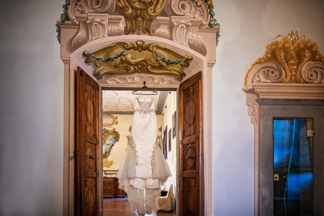 castle wedding venues in Tuscany