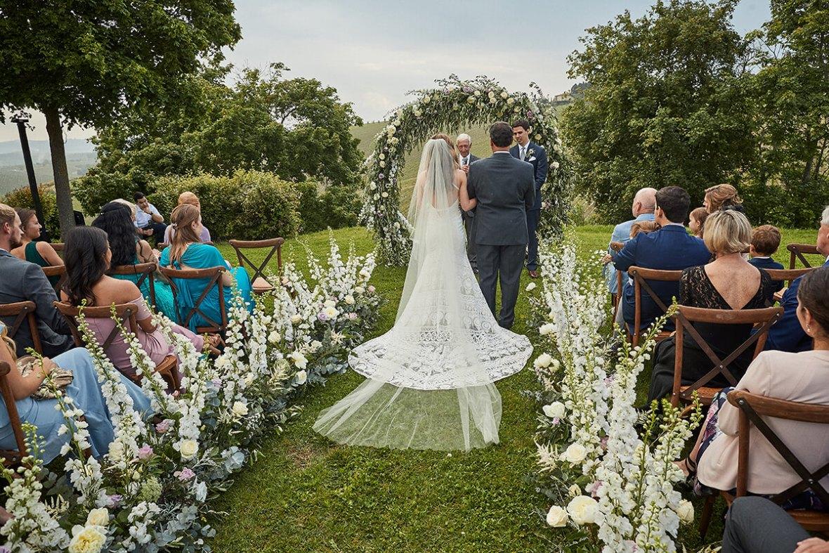 Wedding overlooking tuscan vineyards
