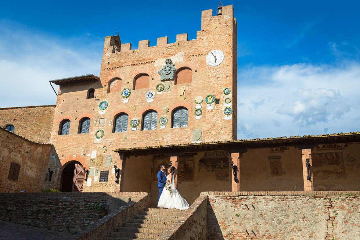 Tuscany castle for wedding