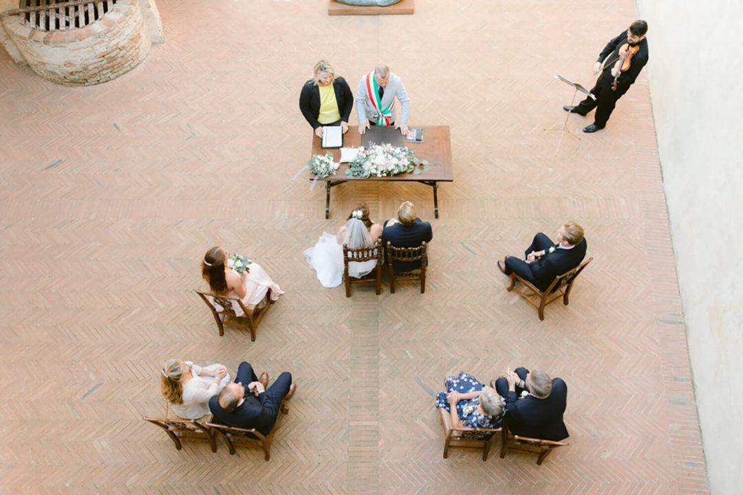 Intimate wedding in Certaldo