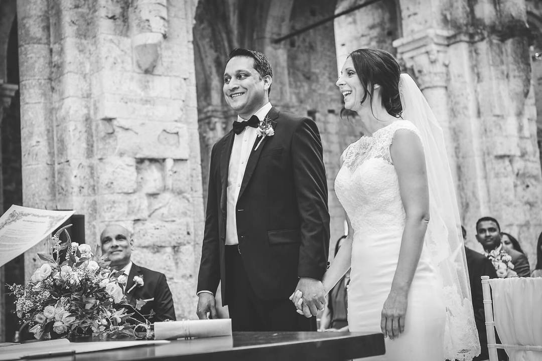 wedding ceremony in a old tuscan Abby