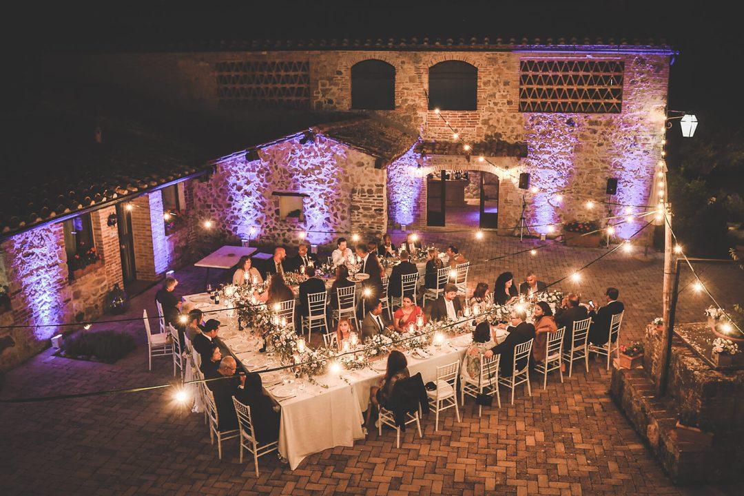 al fresco wedding in Tuscany
