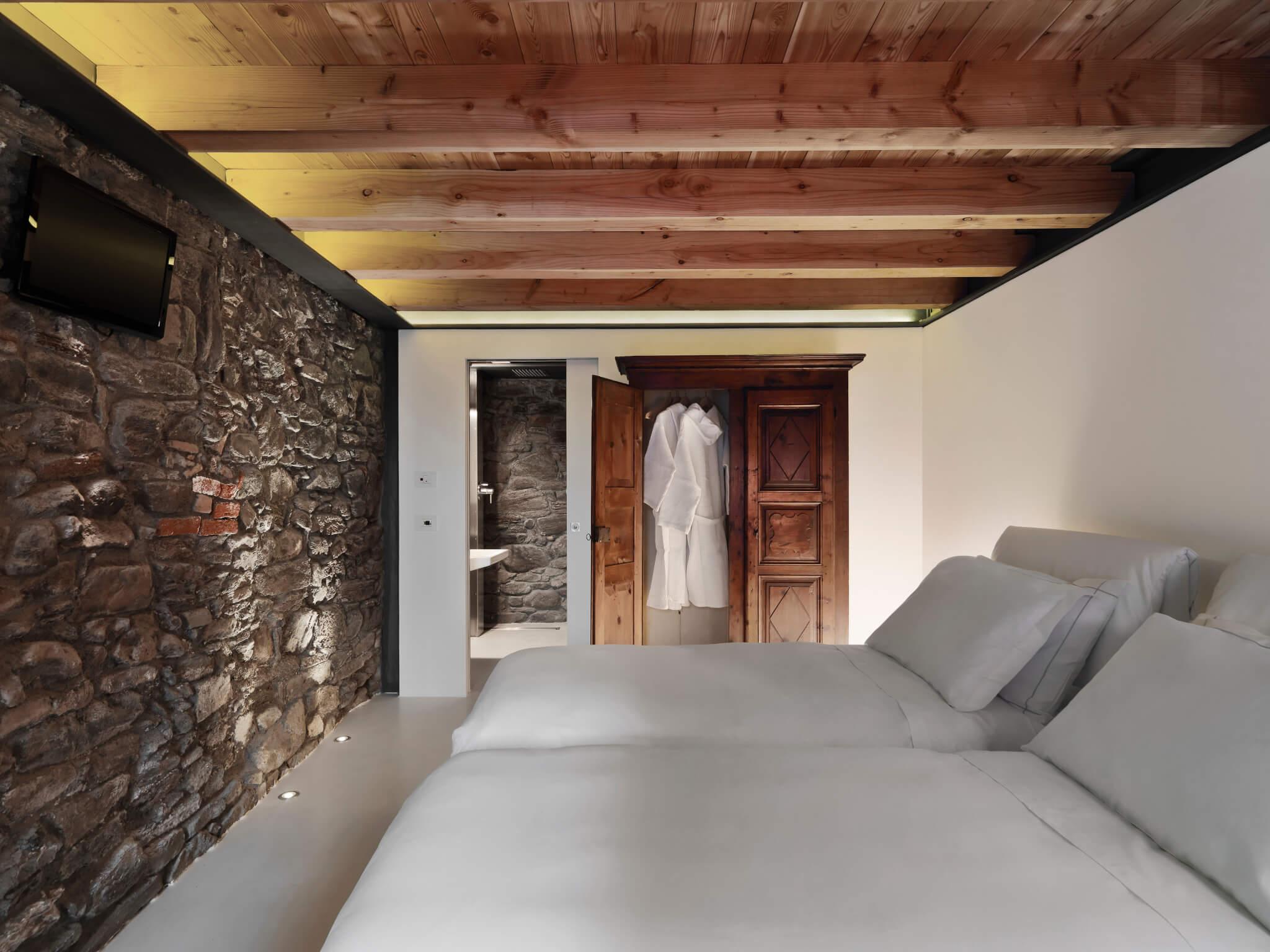 Il tema di oggi sono le pareti in pietra e quelle con mattoni a vista. Idee Geniali Per Pareti In Pietra Naturale Pietra Ricostruita O In Mattoni A Vista Originepietra