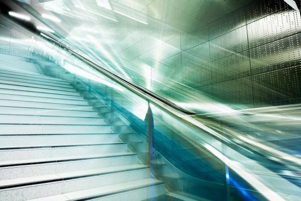 Orion Dahlmann aus Düsseldorf Tube2 Foto-Druck Art Kunst als Bewegte Architektur von Fotograf