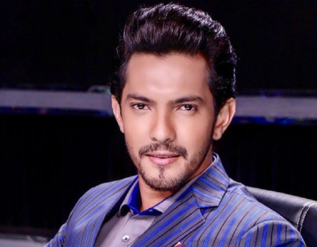 Was birthday boy Aditya Narayan dating singer Neha Kakkar? - OrissaPOST
