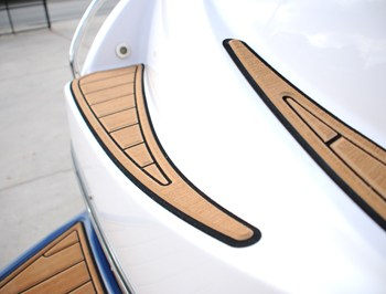 non slip surface boating