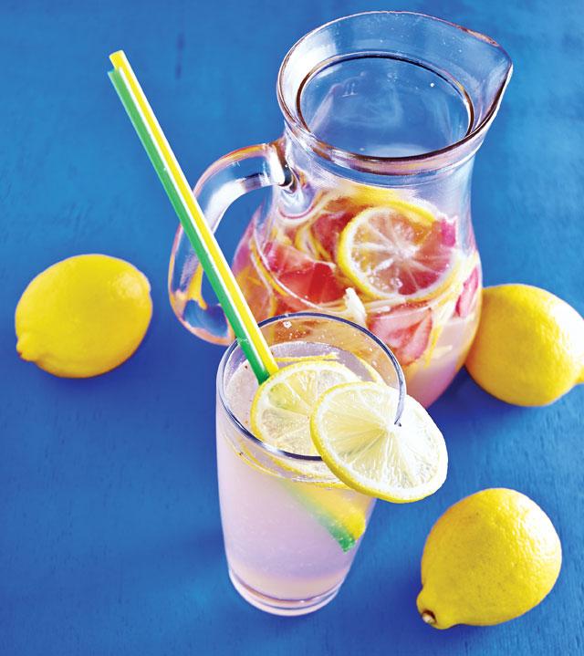 pink moscato lemonade