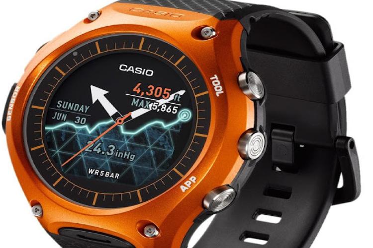 Recensione orologio Casio WSD-F10RGBAE: lo smartwatch sportivo