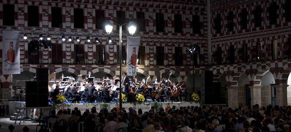 La Orquesta de Extremadura pone en marcha el ciclo Plazas con Música