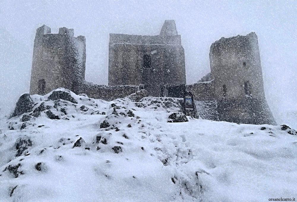 Visitare Rocca Calascio in inverno