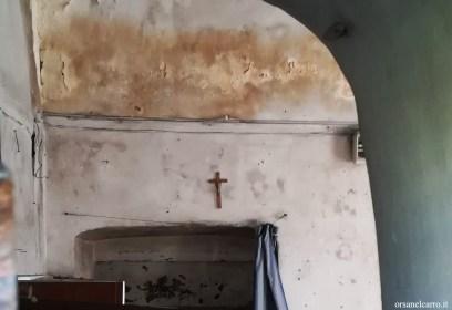 Dimora abbandonata scale in muratura