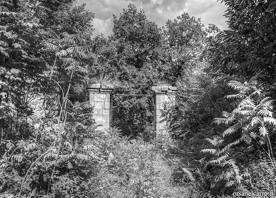 Vecchio cimitero abbandonato Pietrastornina