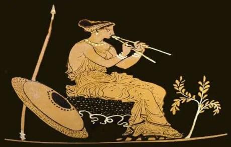 Cratere a figure rosse di produzione italiota, particolare: Athena che suona l'aulos – 375-350 a.C.
