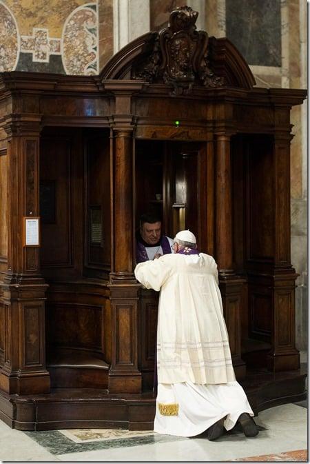 140328_pope-confession2_09cee3b89c294085e46e854647cc52b6