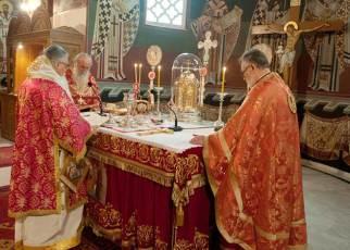 Θεία Λειτουργία : Η μυστική ανάγνωση των ευχών της αγίας Αναφοράς
