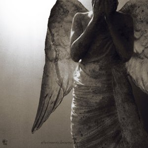 weeping_angel_by_atlantisvampir