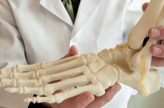 $7.82 Billion Foot and Ankle Devices (Prostheses, Bracing and Support Devices and Orthopedic Implants and Devices) Market 2016 – Forecast to 2025
