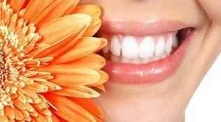 Tips untuk mengurangi gigi berlubang dan menciptakan gigi bersih rapih terawat