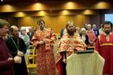 (Română) Vecernie pascală ortodoxă la biserica Maison de l'Unité din Paris