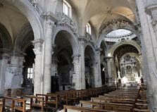 (Română) În Italia, ortodocşii se roagă în bisericile catolice rămase goale