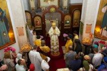 (Română) PS Nestor a săvârșit Sfânta Liturghie în biserica Tuturor Sfinților din Lisabona