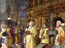 (Română) De Sf. Nicolae au avut loc manifestări cu ocazia jubileului de 100 de ani de la sfinţire şi hramul bisericii din Nice