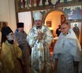 Franţa: Clerul Bisericii Maicii Domnului «Bucuria tuturor scârbiților» şi a Sf. Genevieva s-a îmbogățit cu un nou preot